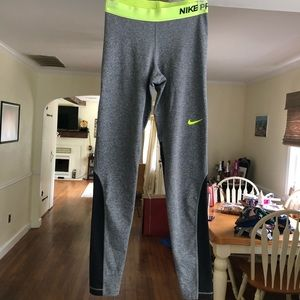Nike dry fit size S workout leggings